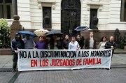 Marcha-de-padres_Divorcios_tenencia-hijos_LR21-e