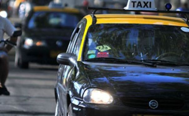 307579_20150117200937_taxis