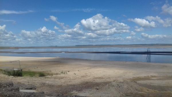las primeras fotos Playa San Gregorio con caudal normal Rio Negro..ultima foto playa San Gregorio 2018 caudal Rio Negro sequía no se ve la contaminacion.....pero está